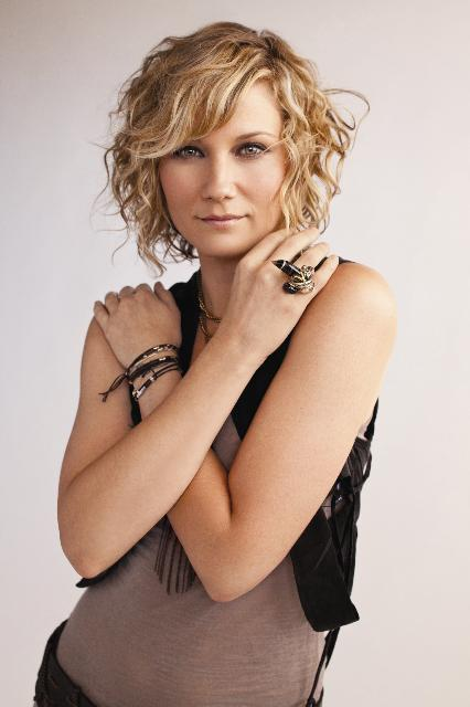 Jennifer Nettles Gives the Gays Some Sugar(land): www.gaycalgary.com/a2146